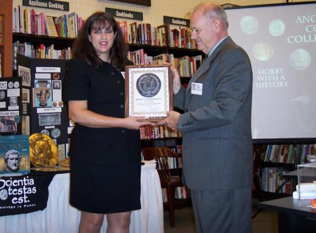 Zee receives Friends of Numismatics Award from Wayne Sayles